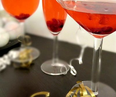 Whip up 3 festive Thanksgiving cocktails with one easy recipe! You'll be the hit of the holidays with these tasty (easy to make) drinks!