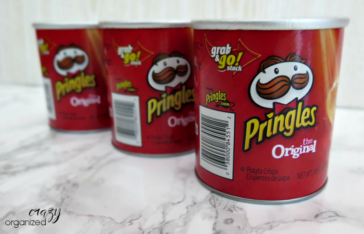 Don't throw away your Pringles can! Turn it in to an easy yet effective pen holder storage solution. You'll never know it was a Pringles can!