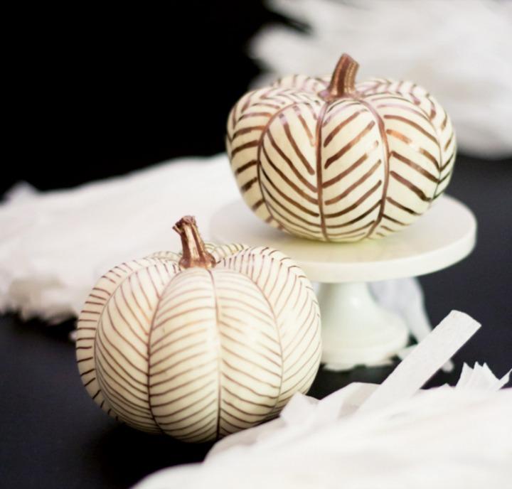 My Favorite Easy No Carve Pumpkins for Halloween & My Favorite No Carve Pumpkin Decoration Ideas for Halloween