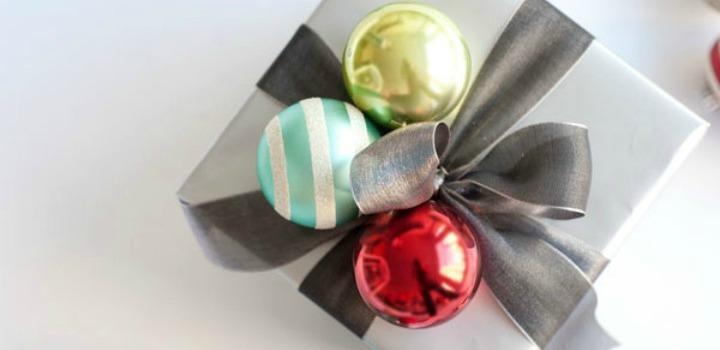 Gift Wrap Ideas // 12 Days of Christmas