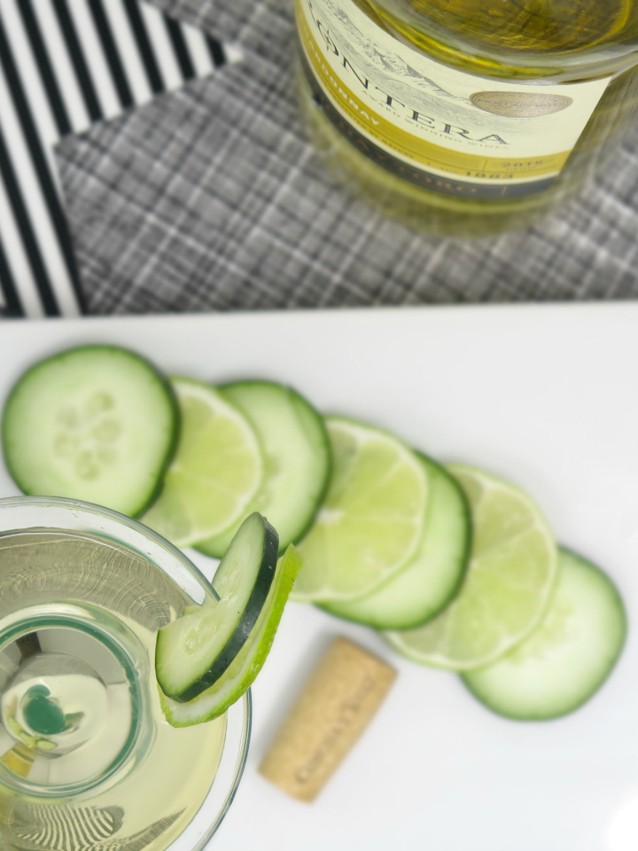 DDelicious Chardonnay cocktail that's great for any occasion! Perfect for a basketball party with our bingo printable game cards!