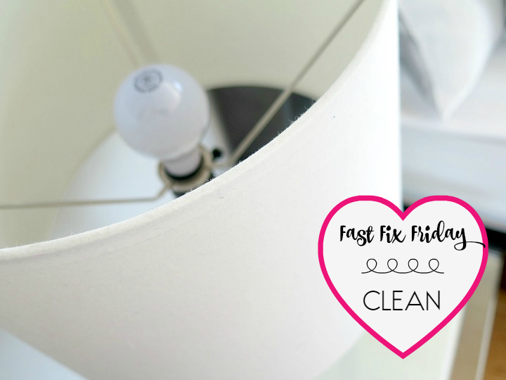 No need for any special gadgets to clean dusty lampshades. Take a look at our quick 1 minute tutorial to remove all the dust so easily!