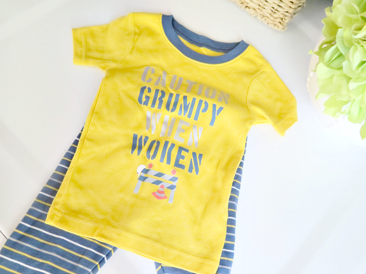 The secrets every mom wants to know: how to keep baby clothes clean without having to do piles of laundry every day. We've got all the tips you need!