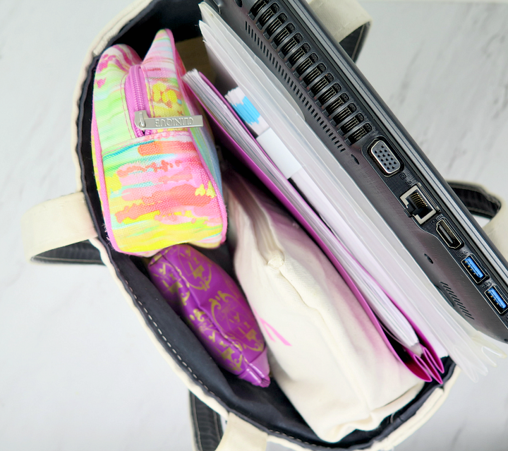 Keep your work bag organized, while storing all the essentials that you need throughout the day. Here's what we keep in our bag for the long work days!