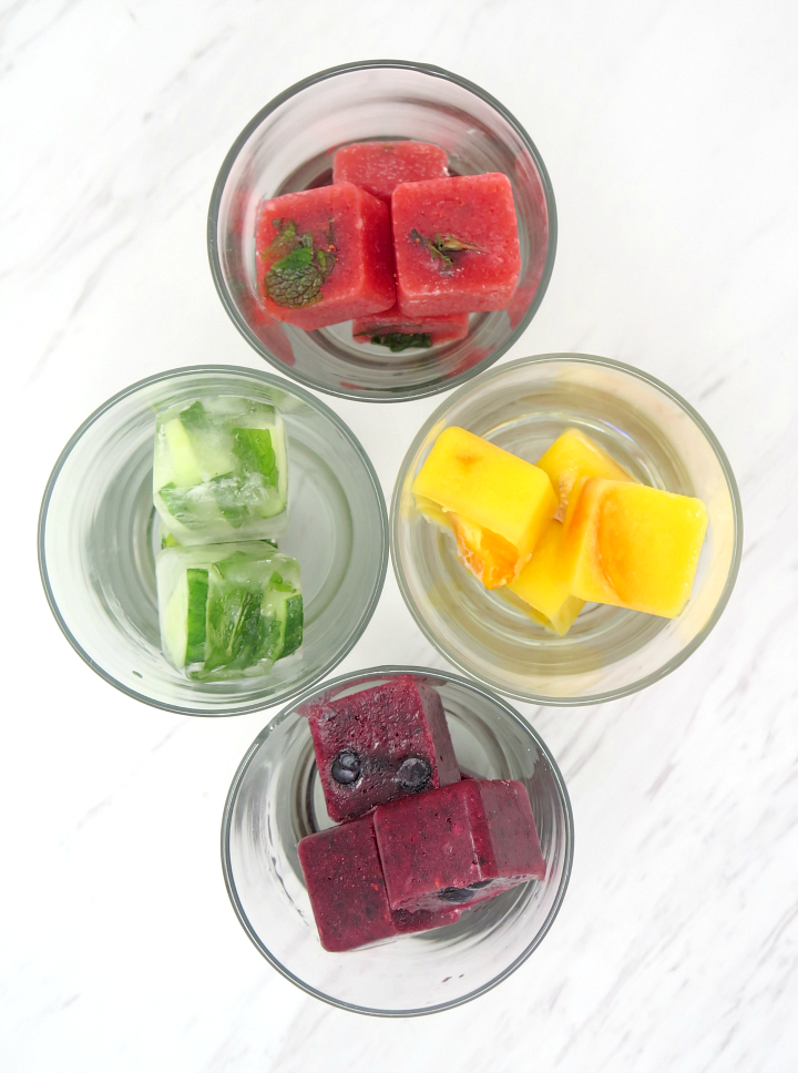 Flavored ice cubes make the most delicious water! drink up! #flavoredicecubes