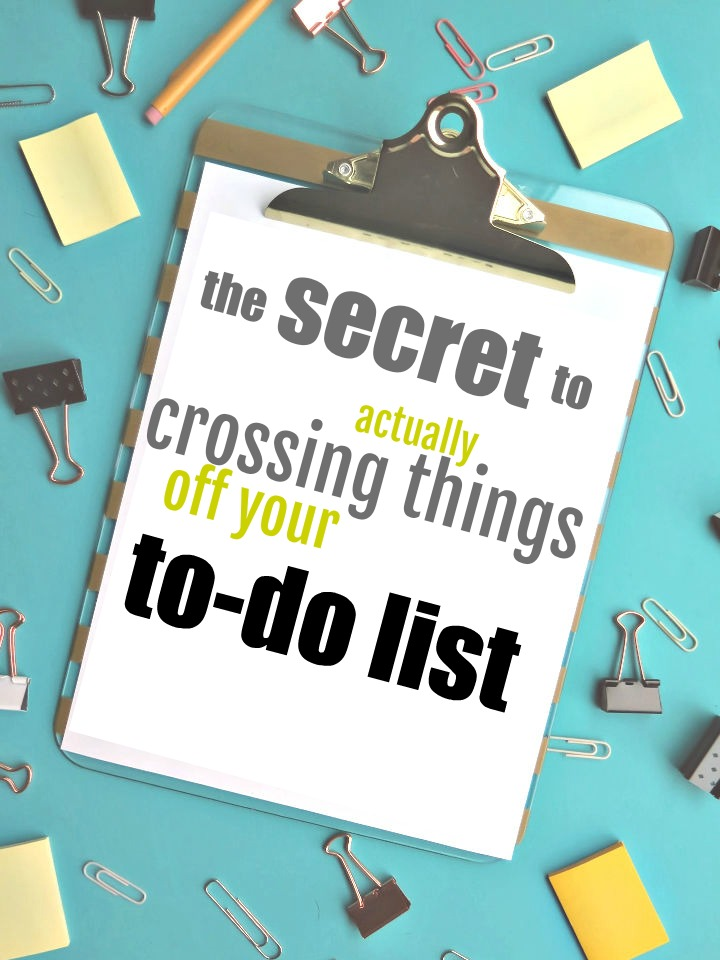 Here's how to actually get things checked off your to-do list. Stop procrastinating and get things accomplished effectively & efficiently!
